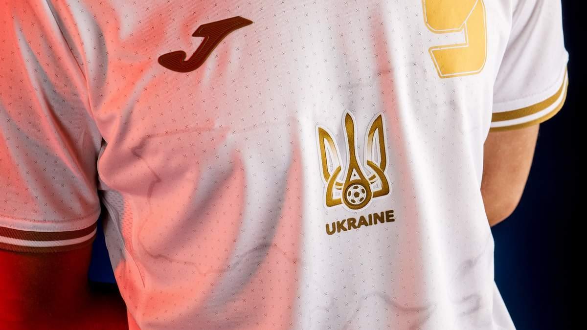 """УЄФА прогнувся під Росію, – Притула """"проїхався"""" по рішенню прибрати з форми гасло """"Героям слава"""""""