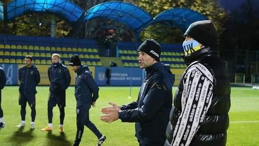 Усик засвітився на тренуванні збірної України з футболу: фото