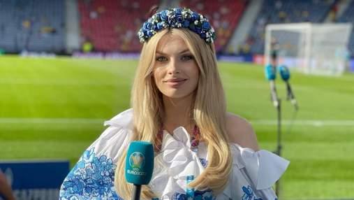 Жена Зинченко болеет за сборную в красноречивом образе на стадионе Рима